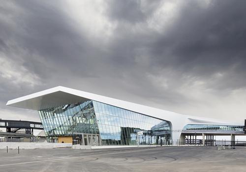 赫尔辛基西港2号码头:折跃的流线型体量 / PES建筑事务所