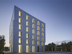 奥地利2226大楼:无需空调,亦能舒适 / Baumschlager Eberle Architekten