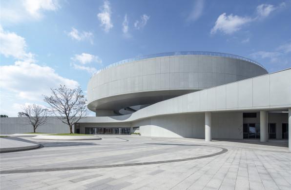 宁波市奉化规划展览馆:漂浮的螺旋 / 北京建院华南设计中心