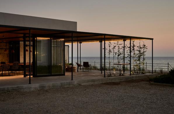 设计酒店40 | Dexamenes Seaside Hotel:对话历史与海
