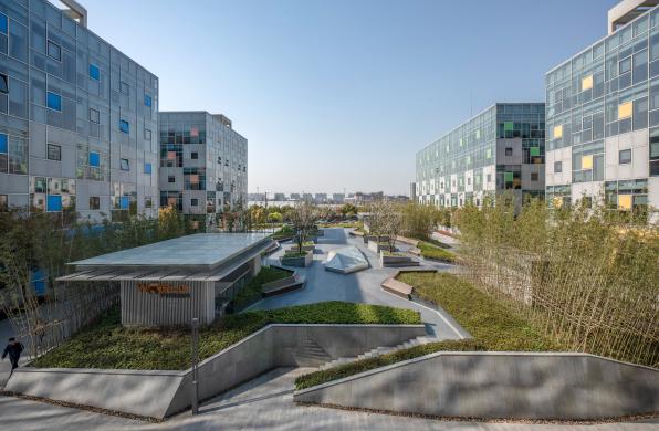 上海金桥万创中心园区改造 / goa大象设计