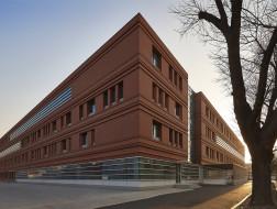 中国农业大学植保楼:内向开放的布局 / 天津大学设计总院·顾志宏工作室