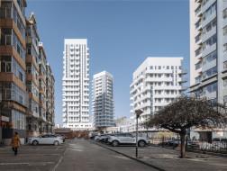 Y-Loft City住宅:白色律动 / 叠术建筑