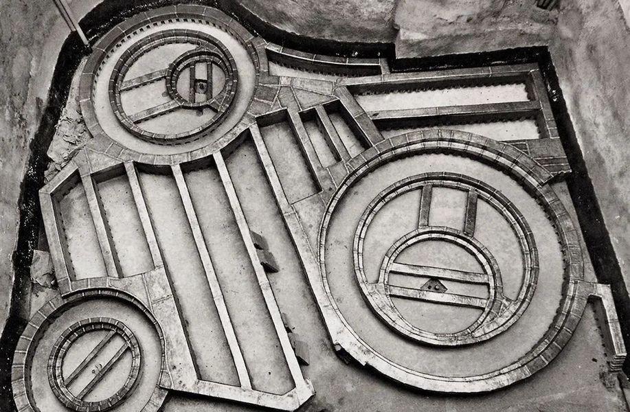 建筑地图117   热那亚:从弗兰克·阿尔比尼到伦佐·皮亚诺
