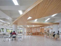 空间生长:上海交大包玉刚图书馆空间改造 / 奥默默工作室
