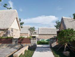 海草房村落的保护与再生:海草湾养生度假村改造设计 / 灰空间建筑事务所