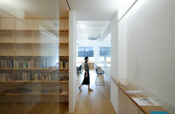 《打边炉》编辑部室内设计:充满肌理的朴素 / 大星吉子设计
