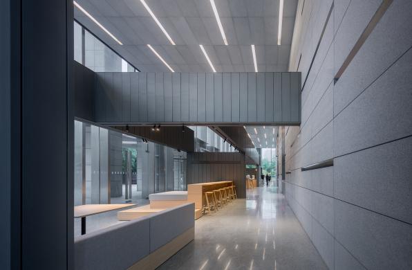 上海黄浦中心公共空间改造:日常下的多元分隔 / 米凹工作室