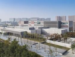 """浙江大学艺术与考古博物馆:立面上的""""编织"""" / Gluckman Tang Architects"""