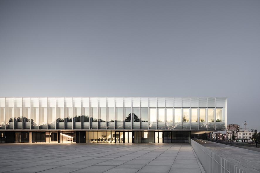 新法兰西工艺贸易商会:内外皆开放 / KAAN Architecten+PDAA