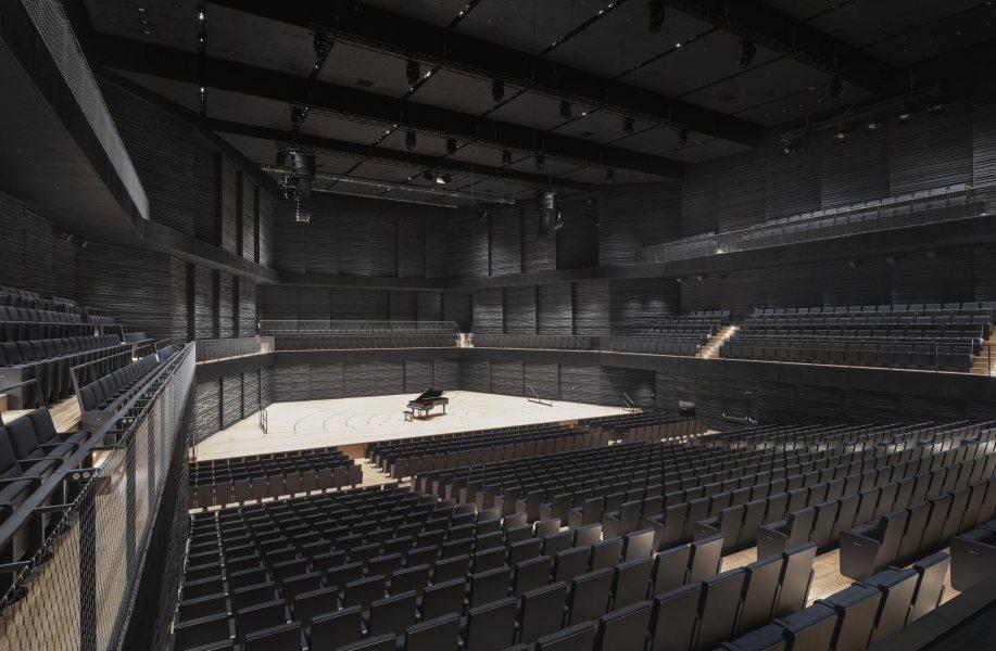 gmp新作:伊萨尔爱乐音乐厅,以木构模块化为改造赋能